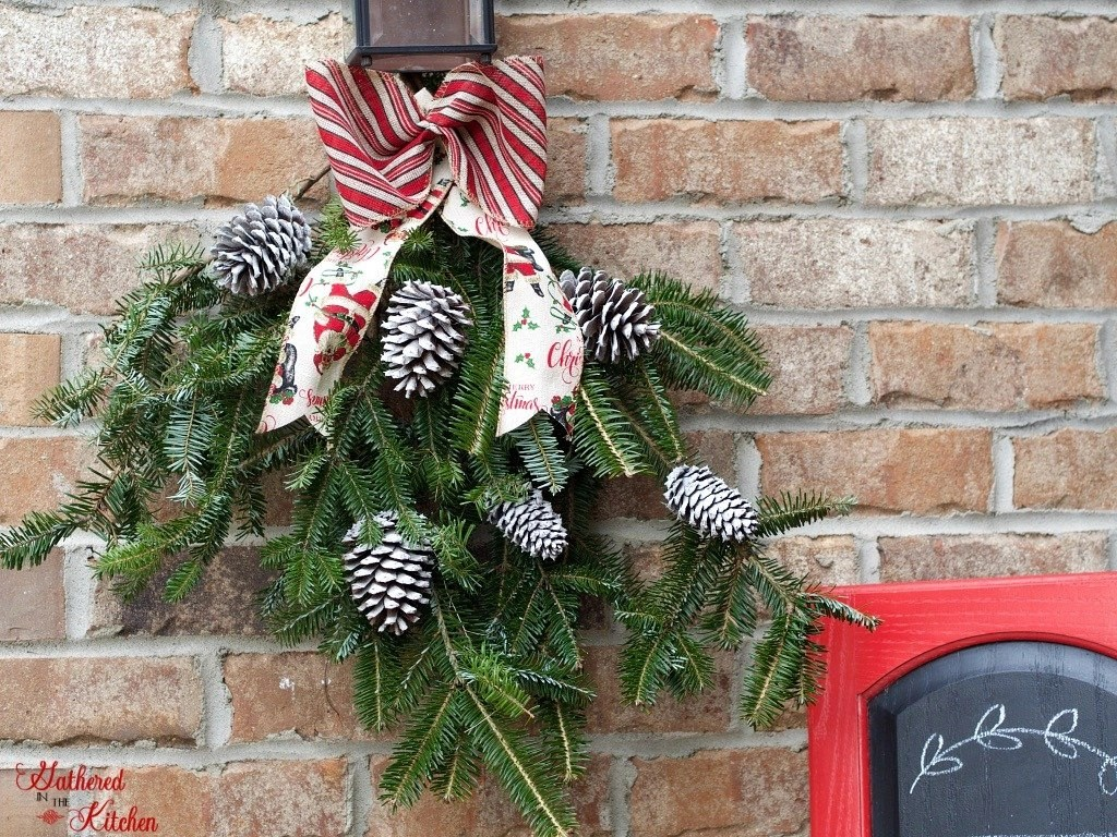 rustic outdoor decor for Christmas