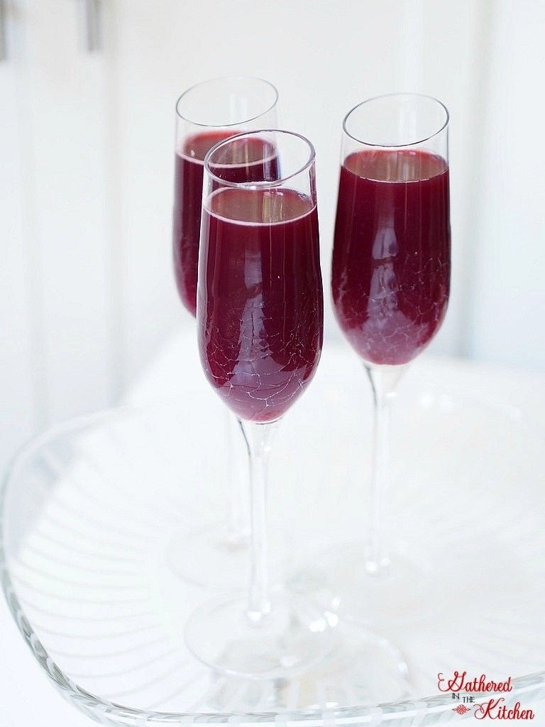 Easy Sangria - 1 bottle of wine and fruit of choice make up this delicious summertime Sangria!