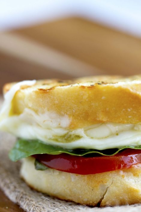 Favorite Caprese Grilled Cheese Sandwich - This rockin' combo of mozzarella, fresh basil and tomatoes is my ultimate favorite grilled cheese. Try this easy recipe now with summer's fresh produce. It's amazing!