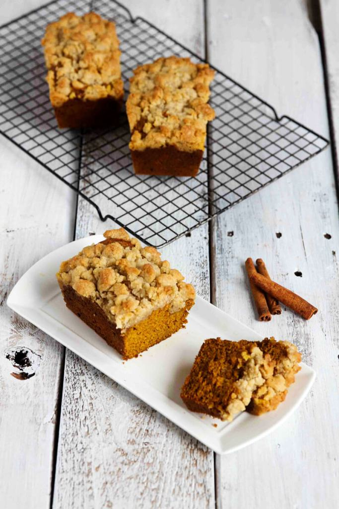 Pumpkin Crumble Bread // @gatherforbread