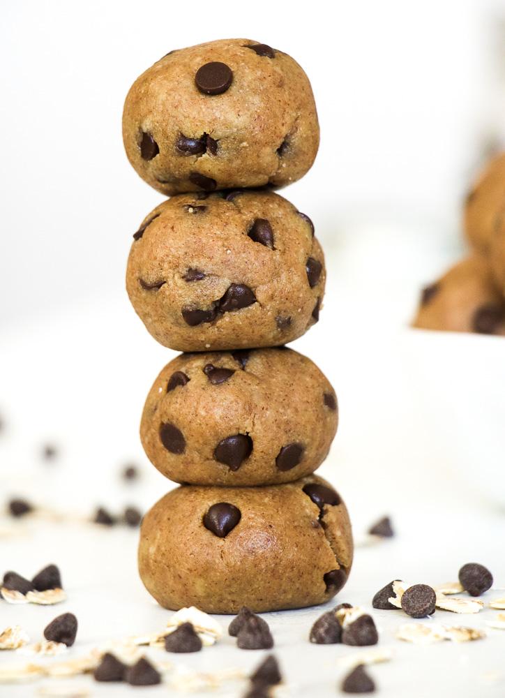 Raw-Healthy-Cookie-Dough-Energy-Balls-2