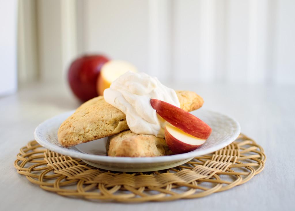 apple-scones-cinnamon-whipped-cream-41-1024x732
