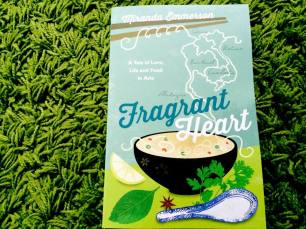 https://gatheringbooks.wordpress.com/2014/06/28/saturday-reads-love-notes-tucked-in-food-boxes-and-a-food-travelogue-the-tiffin-and-fragrant-heart/
