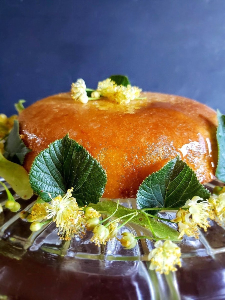 Fragrant Linden Blossom Sun Cake: A Magical Midsummer Treat