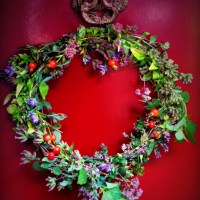 Drinking in the Autumn Equinox: Magical Tea Wreaths