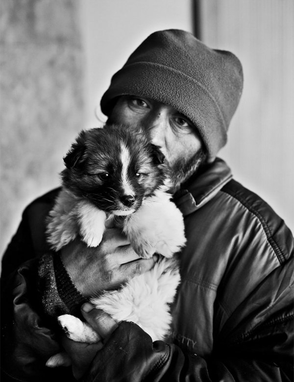 homeless-dogs-and-owners-9