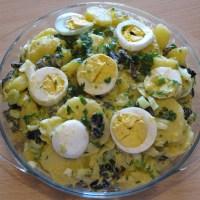Salată orientală cu ceapă verde și pătrunjel