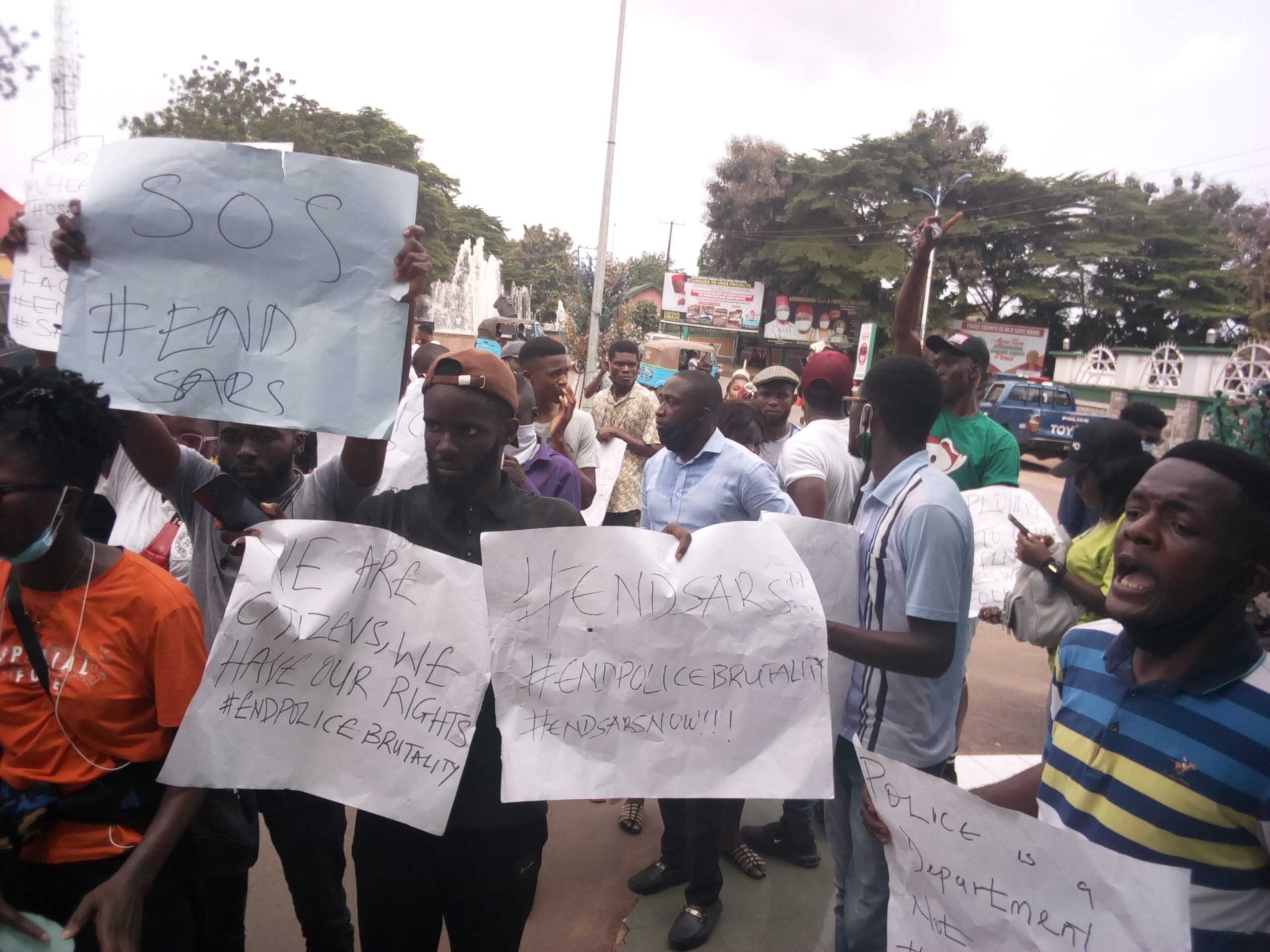 End SARS: Protesters block Ebonyi govt house, demand removal of police officers found guilty of crime