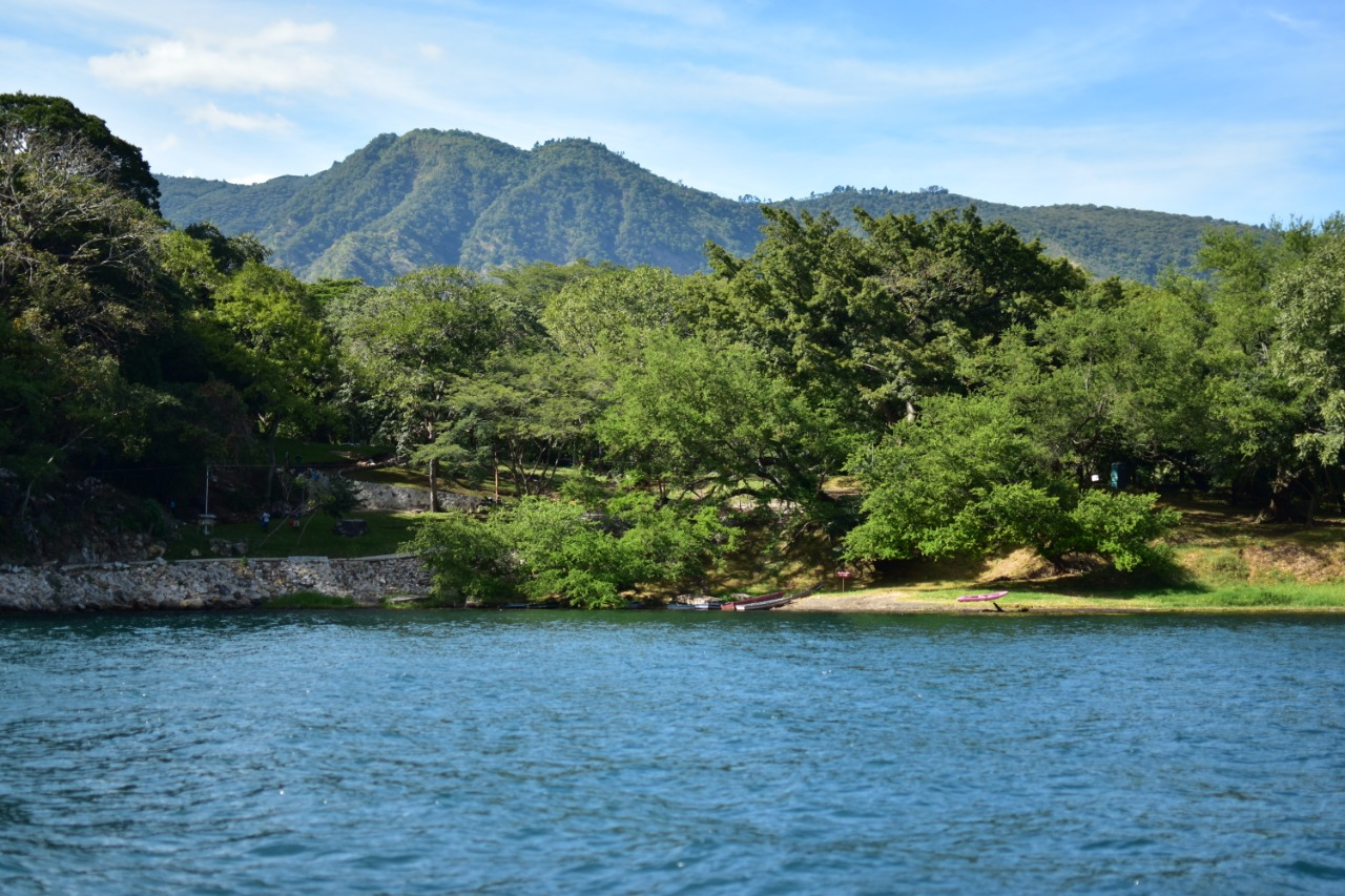 La disputa histórica por el Lago de Coatepeque
