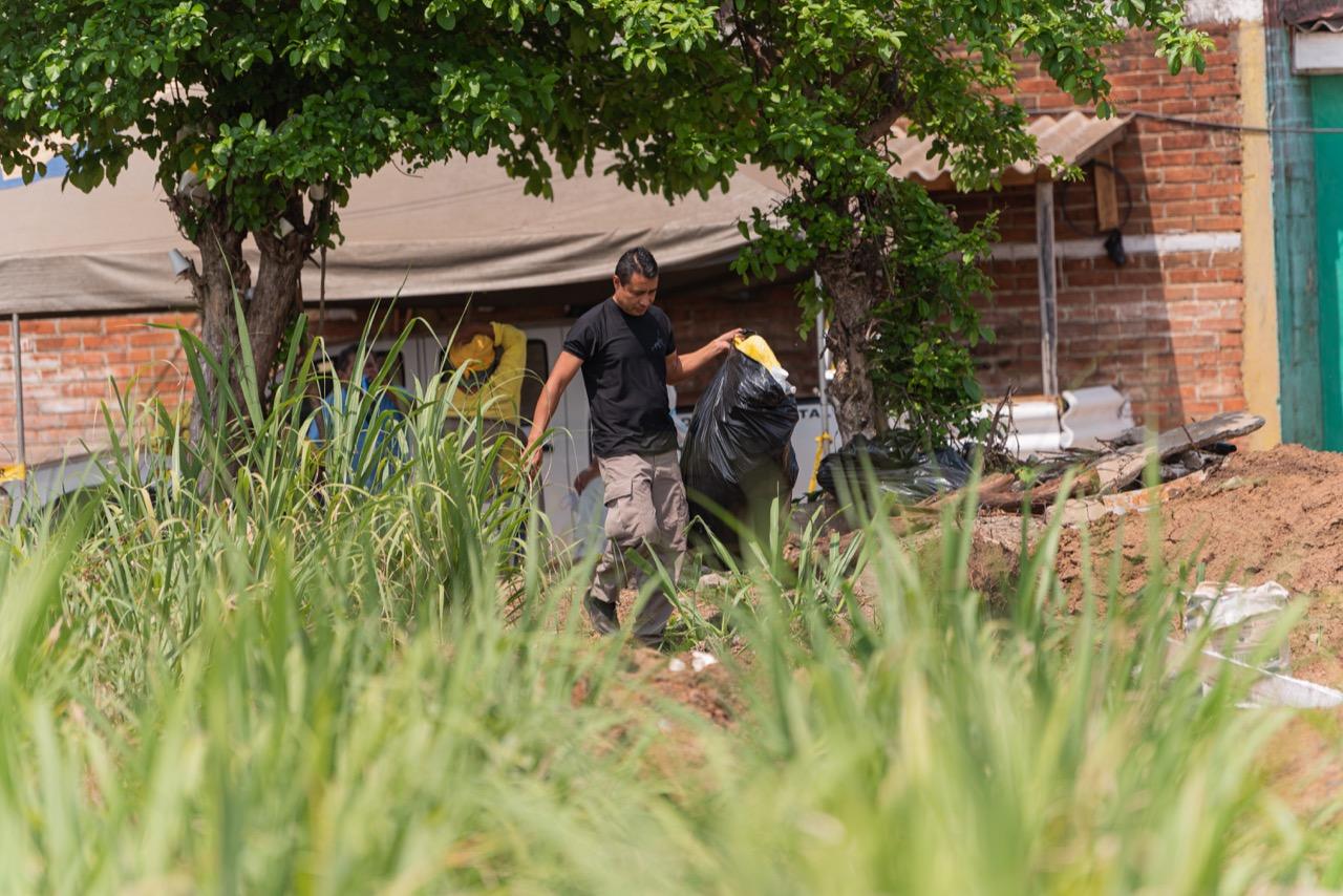 Investigadores policiales procesan escena donde Hugo Osorio enterraba a sus víctimas. Foto/Emerson Flores