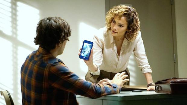 Por que as personagens femininas das séries policiais sempre tem que ter filhos?