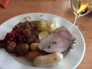 Cruise from Stockholm to Helsinki: Round2. Swedish Meatballs and Lingonberry Sauce ... Also tried some Cloudberry Jam ...