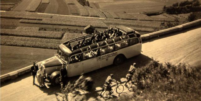 1934 ging es mit dem Bus nach Schleching. 70 Mark kostete die Fahrt. © re