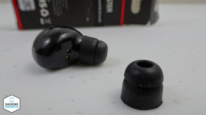 BC Master B01 Earbud 45