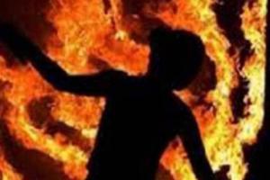 उपचार गर्न नसक्दा गोठमा आगो लगाएर आत्मदाह