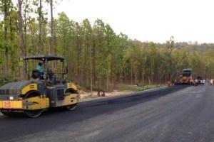ट्राफिक प्रहरीको कारण मदन भण्डारी लोकमार्गको निर्माण कार्य प्रभावित