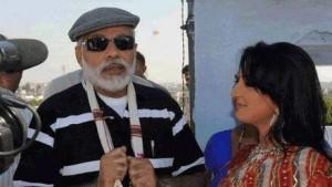 चर्चित युवती के साथ नरेंद्र मोदी का फाइल फोटो