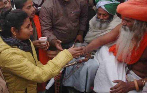 नूरपुर पिनौनी प्रकरण को लेकर अनशन पर बैठे बाबा गरीब दास ने आज 12वें दिन पुलिस के आश्वासन के बाद आमरण अनशन समाप्त किया