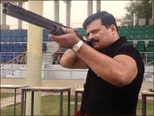 """बाहुबलि नेता प्रणव सिंह """"चैंपियन""""।"""