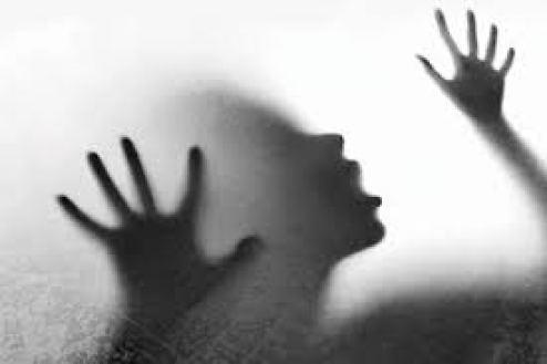 नाबालिग लड़की का सामूहिक बलात्कार करने वाले दरिंदे फरार