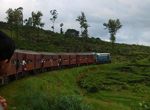 Train Travel in Sri Lanka