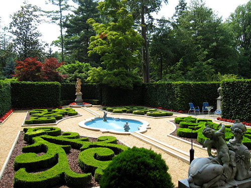 Museums in Washington DC: Hillwood Museum & Gardens