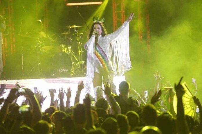 Ivete Sangalo se apresentou ontem no Morro de São Paulo, no San Island Weekend. Para quem não sabe, é um evento bastantegay.