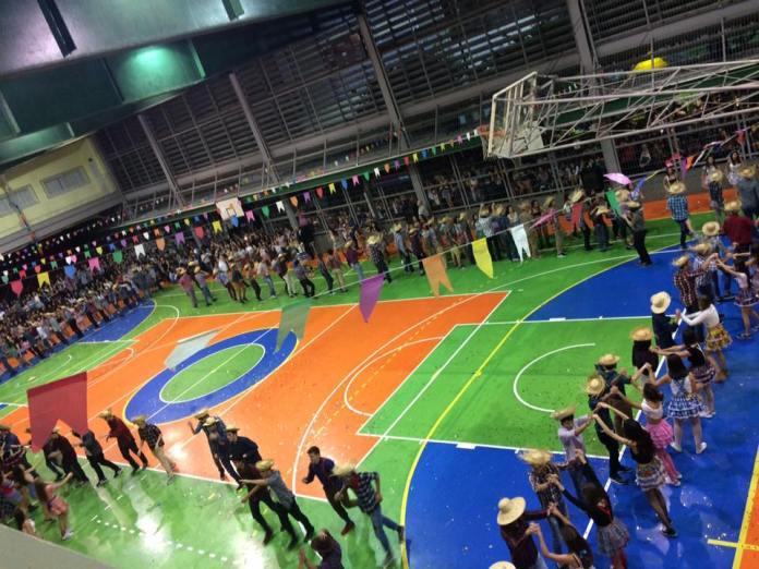 Quadrilha-Colégio-Santo-Inácio-Rio-de-Janeiro-divulgação