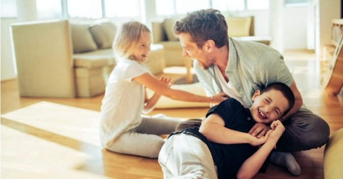 Dad_play_lead-800x417