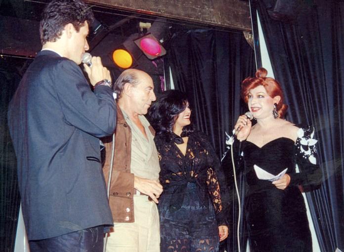 Miss Biá com Raul Cortez no palco