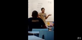 Após caçoado em grupos de Whatsapp, estudante gay dá bronca durante aula