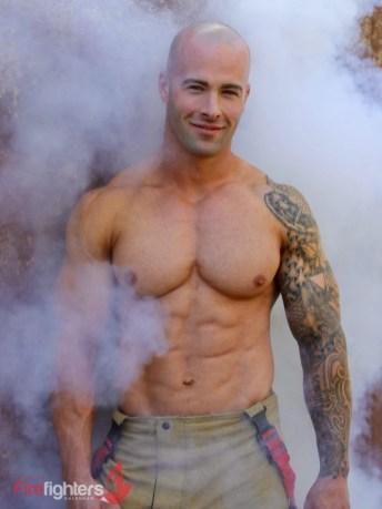 Tom-2019-Hot-Firefighters-www.australianfirefighterscalendar.com2019-720x960