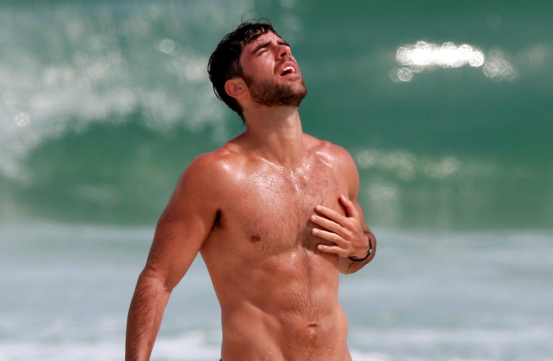 Como é encontrar Marcos Pitombo na praia