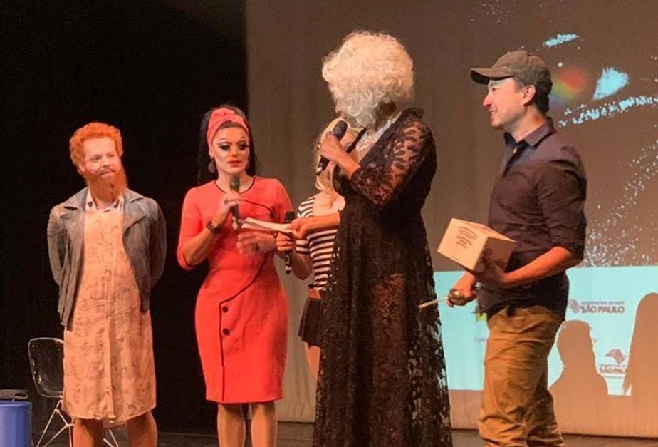 Publicitário Vinícius Yamada é o grande vencedor do 'Show do Gongo' do Festival MixBrasil 2018