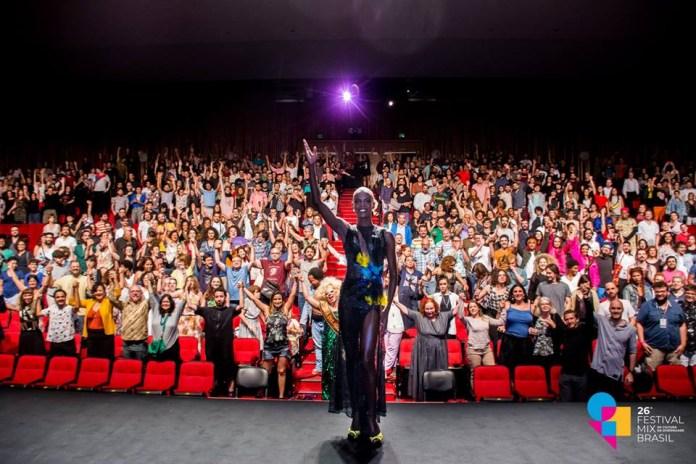 Momento da cerimônia de abertura do 26º Festival MixBrasil