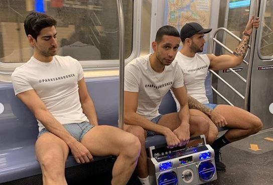 18ª edição do 'passeio sem calças no metrô'