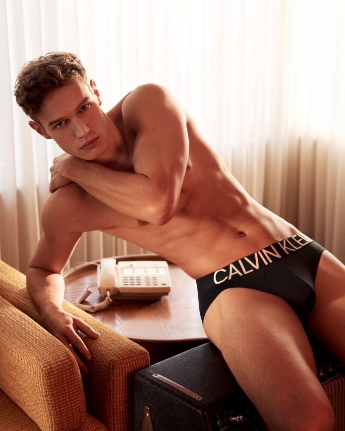 Timo Baumman para Calvin Klein (Glen Luchford)