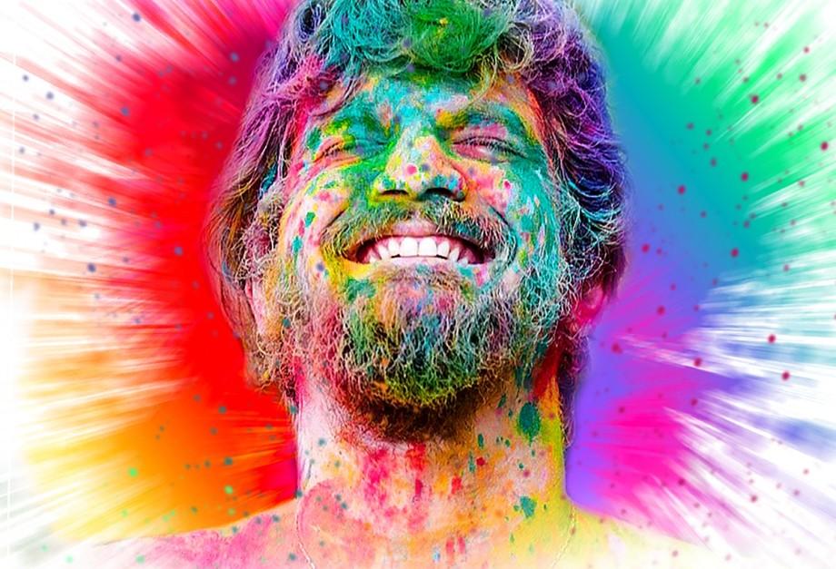 Saulo Fernandes levará uma tonelada de pó colorido para animar o carnaval de Salvador