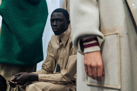356053_863357_lacoste_aw19_backstage_by_alexandre_faraci53