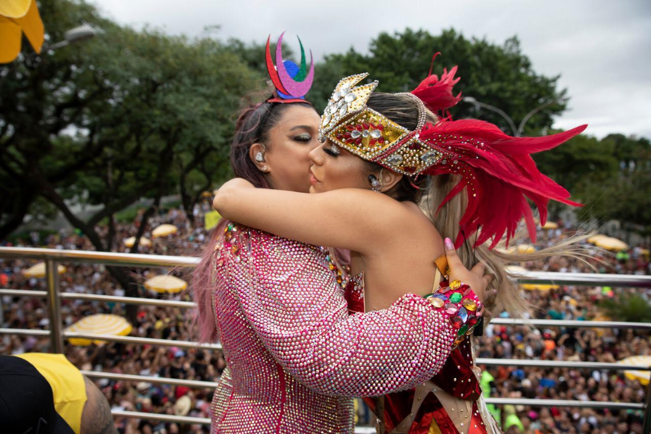 Preta Gil brilha em sua estreia no carnaval de rua de São Paulo; confira as fotos