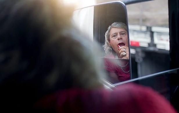 Afrodite, a caminhoneira trans da campanha da Shell. Foto: divulgação