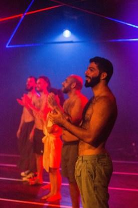 """Espetáculo """"Strip Tempo - Stripteases Contemporâneos"""" em curta temporada em São Paulo."""