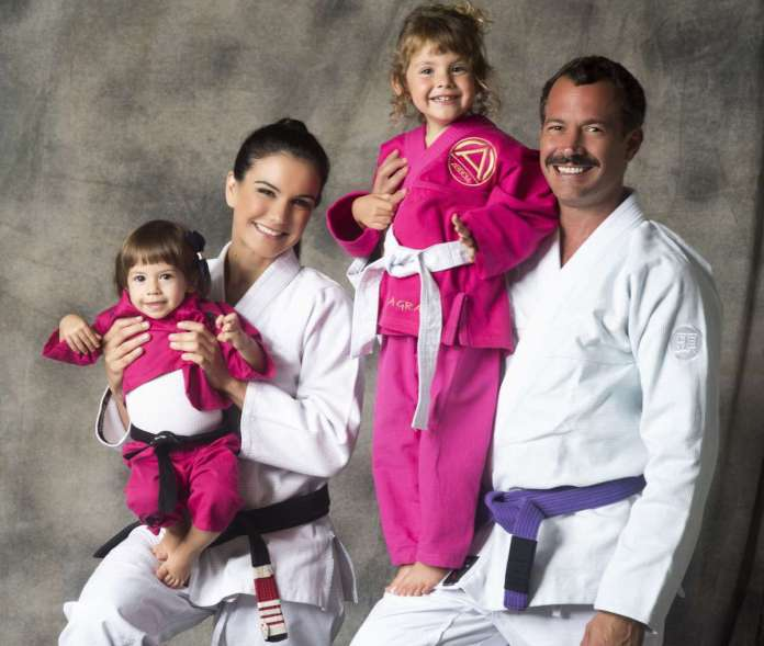 Malvino Salvador com sua família (Imagem: Marcelo Faustini)