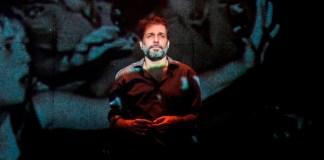"""Estreia no Sesc Ipiranga """"3 Maneiras de Tocar no Assunto"""", peça que aborda a homofobia na sociedade moderna"""