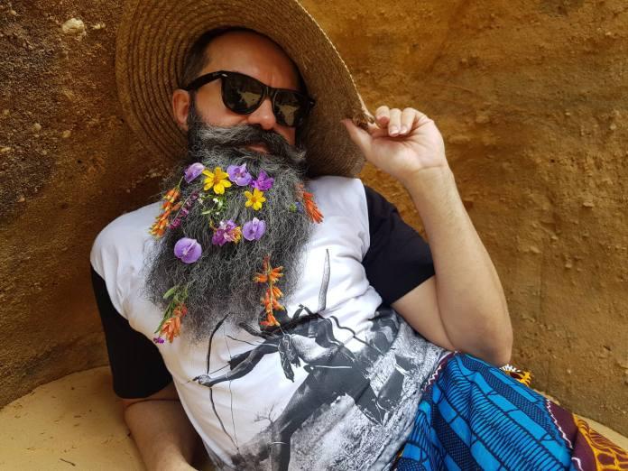 Chico Flores lanza single inspirado en Madame Satã: drag, negro y gay de 1920; escucha
