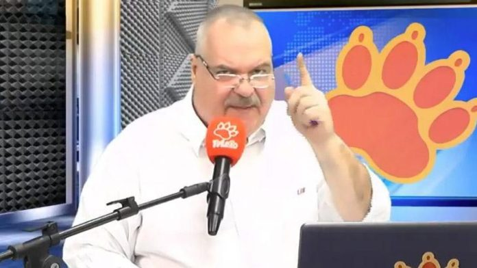 Gilberto Barros is charged of homophobic discrimination by the Department of Justice of São Paulo.
