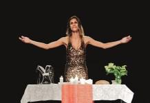 """Atriz de """"Jesus travesti"""" ganha bolsa internacional por iniciativa cultural"""