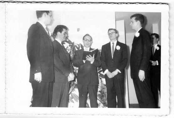 Site procura noivos de casamento gay datado de 1957