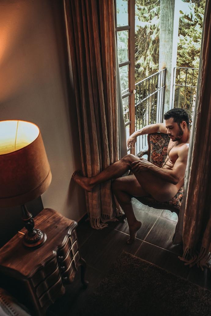 ENSAIO: Thiago Hernandez para Mustang Magazine