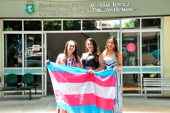 Ceará passa a permitir que vítimas de crimes registrem B.O como pessoas trans
